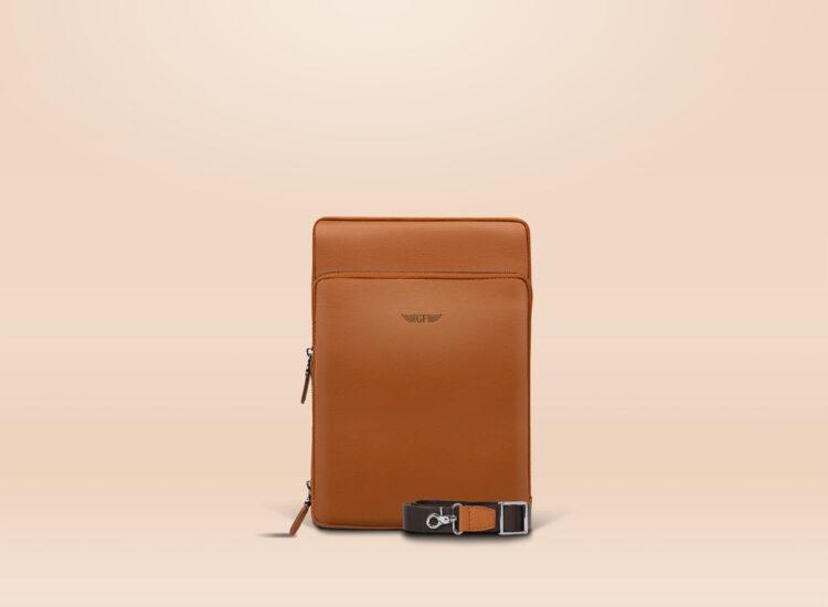 Berto Universal Tablet Bag Brown Front