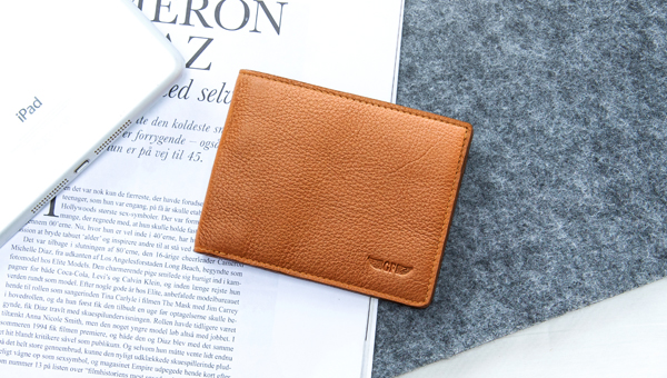 Slim Wallet Styling