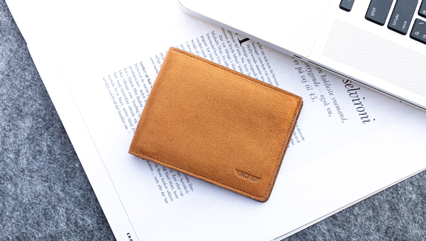 Slim Plus Wallet Styling