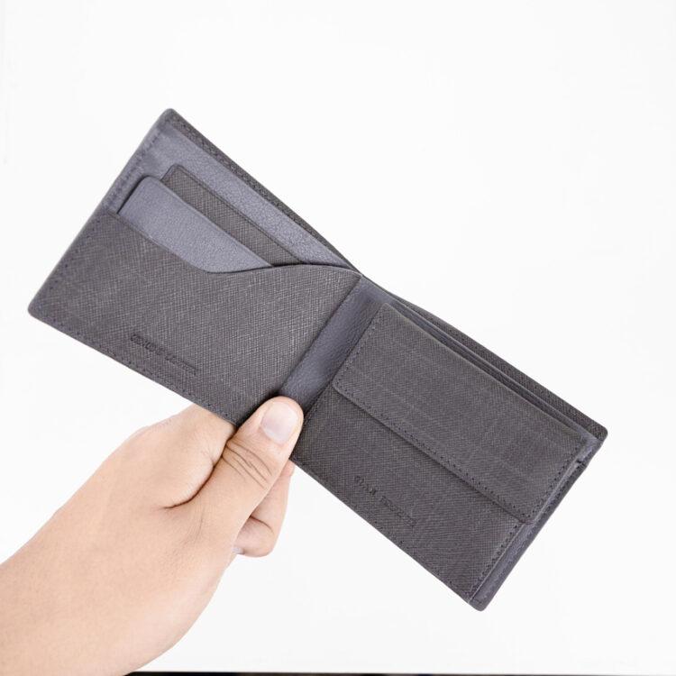 Promo Wind Wallet Grey Use